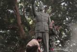 Kawasan Monumen Bambang Soegeng Temanggung  dibersihkan