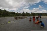 Tim SAR Ambon belum temukan satu warga yang hanyut di sungai