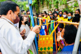 Presiden Jokowi beli Noken di pinggir jalan dari