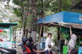Ingin tangkap burung kecial, warga Lotim ini terjatuh dari pohon setinggi 15 meter