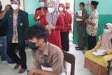 Duta Vaksin Lampung Selatan tinjau pelaksanaan vaksinasi pelajar di Sidomulyo