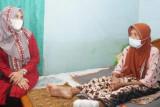 Ketua TP PKK Lampung Selatan bantu warga Sidomulyo penderita diabetes