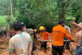 Dampak tanah longsor, lima desa di Luwu masih terisolir
