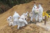 Makam rawan longsor, 38 jenazah pasien COVID dipindahkan