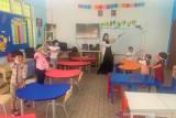 Sebagian siswa TK Sekolah Indonesia Kuala Lumpur kembali bersekolah