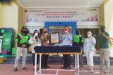 Imigrasi Makassar gunakan jasa transportasi online antar paspor pemohon