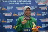 Meski pen tertanam di tangan, Adinda raih medali emas terbanyak PON Papua