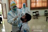 Antisipasi COVID-19, puluhan siswa SMP di Kudus jalani tes usap antigen
