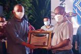 Kemenkumham Jateng raih penghargaan terbaik penyampaian laporan Program AHU