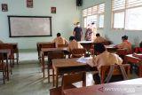 Disdikpora Kulon Progo menerbitkan izin pelaksanaan PTM kepada 50 SMP