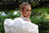 Adele sebut album barunya surat untuk sang anak