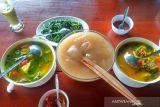 Mengenal lebih dekat makanan  'lem' papeda, kuliner khas Papua