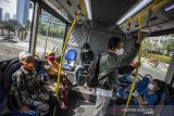 TransJakarta mulai layani penumpang dengan kapasitas normal meski masih PPKM level 2
