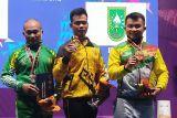 PON XX Papua - Viki Aryanto sabet emas untuk Lampung dari angkat berat