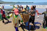 BMKG mengajak masyarakat waspadai siklus 100 tahunan tsunami pesisir Jawa