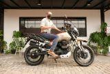 Moto Guzzi V85 TT Travel,  konsumen pertama sebut bantingannya empuk