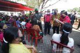 Bupati Landak meminta warga taati prokes saat ikuti vaksinasi