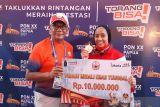 PON Papua - Devina Dea menjadi penentu emas DKI Jakarta di kumite beregu putri