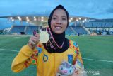 PON Papua - Atlet NTB Dian Ekayanti meraih emas 3.000m halang rintang