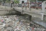 Banjir di Palembang kerap terjadi disebabkan saluran air tersumbat sampah