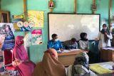 Sosialisasi kepada para guru oleh Bank Kalsel Cabang Tanjung di SMPN 4 Murung Pudak.