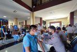 Karantina Pertanian Manado-Brimob Polda Sulut gelar vaksinasi massal