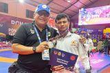 Atlet gulat peraih perak PON Papua yang jadi pegawai kontrak di Solok dirumahkan,  Manajer siap tampung di Padang