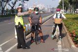 Mulai besok warga DKI telah diizinkan olahraga bersepeda melintasi jalan umum