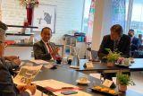 Bahlil temui Verstegen untuk investasi pala di Fakfak