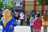 Wapres menyapa pelajar SD Inpres VIM 1 Kotaraja Jayapura