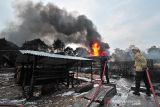 Uang Rp20 juta dan dua kuintal padi ludes, rumah di Batukliang dilalap si jago merah