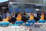 Pemusnahan rokok hingga arak Bali ilegal senilai Rp1,8 miliar