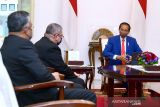 Presiden tanam Mangrove bersama para dubes-penggiat lingkungan