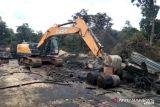 Polisi tutup gudang dan tempat olahan minyak ilegal di Muaojambi