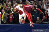 Ajax gasak Dortmund 4-0