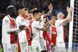 Erik ten Hag bangga, Ajax gilas Dortmund