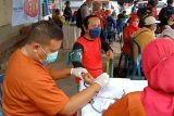 Pemkot Bandarlampung lakukan vaksinasi di pasar tradisional