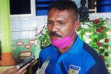 Eduard Ivakdalam sang peracik tim emas sepak bola PON XX Papua