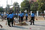 Ratusan anggota TNI AU karya bakti di Pura Mangkunegaran