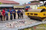 Polres Jayawijaya musnahkan 1.008 botol minuman beralkohol selundupan