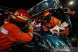 Evakuasi Korban Kecelakan Di Surabaya