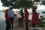 Kemenkumham Sultra bagi sembako ke masyarakat peringati HDKD ke-76