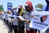 Pengungsi Afghanistan unjuk rasa di kantor Kemenkumham NTT