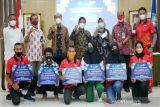 UNS berikan bonus kepada mahasiswa peraih medali PON Papua