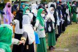 Bupati Bandung ajak santri bawa negeri bangkit dari pandemi COVID-19