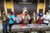 Petugas tangkap dua tersangka penyelundupan benih lobster senilai Rp15 miliar