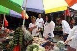Harga bahan pokok di Kendari masih stabil
