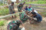 Satgas TNI Yonif 315 buatkan sumur bor untuk warga Kiworo Merauke