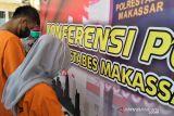 Polrestabes Makasar amankan dua terduga pembuat surat vaksin COVID-19 palsu