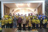Muzani memberikan penghargaan pada atlet Lampung berprestasi di PON Papua